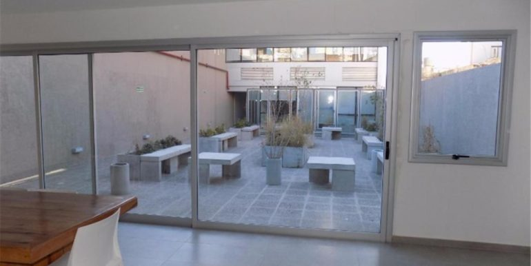 PATIO USO OFICINAS